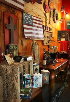 #recycledgifts #shoppingatlanta  Visit this Atlanta gift shop