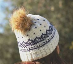 Norwegian hand knitted hat wool by HenriettePro on Etsy Hand Knitting, Knitted Hats, Winter Hats, Wool, Trending Outfits, Handmade Gifts, Awesome, Etsy, Vintage