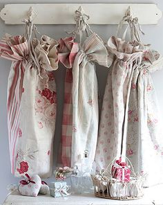 love these .. looks easy enough to sew.. ha.. easy enough to say :)
