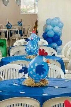 Diy Discover Ballon centerpiece so darn cute! Farm Animal Party, Barnyard Party, Party Animals, Farm Party, Balloon Centerpieces, Balloon Decorations, Birthday Decorations, Ballon Arrangement, Dessert Table Decor