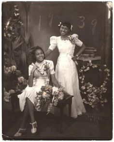 vintage everyday: African-American Women in the Early Century Through James Van Der Zee's Lens Vintage Black Glamour, Vintage Beauty, Vintage Style, Vintage Fashion, Women's Fashion, American Photo, African American Women, African Americans, Black History Facts