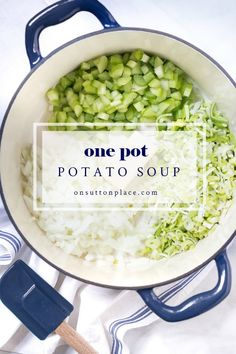 Great Recipes, Soup Recipes, Dinner Recipes, Cooking Recipes, Easy Recipes, Hearty Potato Soup Recipe, One Pot Meals, Easy Meals, Kitchens