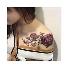 tattoos every woman wants arm tattoos tattoo ink tatoo colour tattoo . Pretty Tattoos, Cute Tattoos, Beautiful Tattoos, New Tattoos, Beautiful Roses, Tatoos, Celtic Tattoos, Upper Arm Tattoos, Foot Tattoos