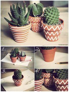 DIY gift cactus pot painting for Mother& Day- DIY Geschenk Kakteentopfmalerei zum Muttertag Painted Flower Pots, Painted Pots, Decorated Flower Pots, Painted Pebbles, Hand Painted, Cactus Pot, Cactus Flower, Cacti And Succulents, Cactus Plants