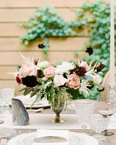 """This Dreamy Wedding Tablescape Gives New Meaning to """"Rustic Chic"""" 
