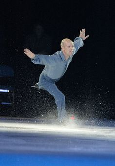 Scott Hamilton...saw him with my Girl Scout troop back in the mid 80's and he was amazing!