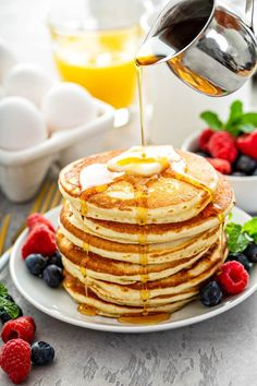 This easy pancake recipe uses everyday ingredients to make perfect soft and fluffy pancakes every single time! Use all my tips and secrets for the best homemade pancakes! #Pancakes #PancakeRecipe #FluffyPancakeRecipe #FluffyPancakes #BreakfastRecipes #BrunchRecipes #EasyBreakfastRecipes Pancake Recipe Easy Fluffy, Best Homemade Pancakes, Yummy Pancake Recipe, How To Make Pancakes, Pancakes Easy, Fluffy Pancakes, Pancake Recipe Ingredients, Banana Chocolate Chip Pancakes, Sweet Recipes