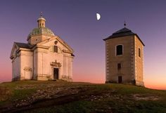 """The chapel on the top of the """"Saint Hill"""" at Mikulov (South Moravia), Czechia Sacred Architecture, European Countries, Beautiful Places In The World, Place Of Worship, Greatest Adventure, Pilgrimage, Czech Republic, Taj Mahal, Places To Visit"""