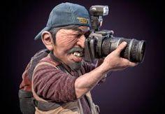 Kurz: Fotíme na zrkadlovku - pokročilé techniky  Lektor: Tomas Morilon Fotograf a grafik.. na profesionálnej úrovni sa pohybujem v týchto oboroch od roku 1999. Venujem sa pomerne širokému spektru smerov od fotenia architektúry a prírody cez akty a glamour až po cestovateľskú a módnu fotografiu. Dlhodobo pracujem s experimentálnou technikou pohybovej ne-ostrosti, ktorú zdokonaľujem a rozvíjam.