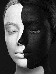 14 Makeup Transformations That Prove Makeup's True Power Shadow Photography, Self Portrait Photography, Creative Photography, Black And White Portraits, Black And White Photography, Photographie Art Corps, Kreative Portraits, Photographie Portrait Inspiration, Model Face