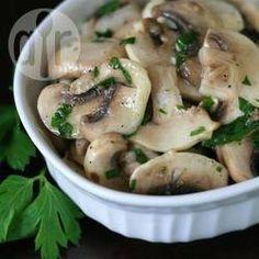 Foto de la receta: Ensalada de champiñones con perejil