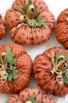 Pumpkins are often lovely round, bright fruit, and in autumn they must not be lacking specially on Halloween. Autumn Crafts, Thanksgiving Crafts, Holiday Crafts, Autumn Decorating, Pumpkin Decorating, Decorating Ideas, Fabric Pumpkins, Fall Pumpkins, Fall Halloween
