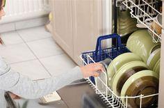 Κανέλα και στο πλυντήριο! - Filenades.gr Cleaning Recipes, Cleaning Hacks, Perfume, Home Hacks, Organization Hacks, Dyi, Sweet Home, Home And Garden, Tableware