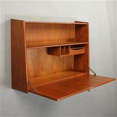 Køb og sælg moderne, klassiske og antikke møbler - Dansk møbelproducent. Væghængt skrivebord Denne vare er sat til omsalg under nyt varenummer 2776809 - DK, Aarhus, Egå Havvej