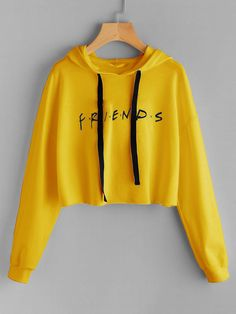 To find out about the Friends Print Drop Shoulder Raw Hem Hoodie at SHEIN, part of our latest Sweatshirts ready to shop online today! Cute Comfy Outfits, Cute Outfits For Kids, Outfits For Teens, Cool Outfits, Trendy Hoodies, Cool Hoodies, Sports Hoodies, Crop Top Outfits, Crop Top Shirts