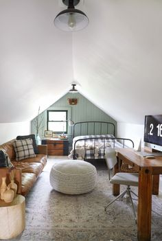Home Interior Design .Home Interior Design Attic Bedroom Designs, Attic Bedrooms, Attic Design, Loft Design, Home Bedroom, Bonus Room Bedroom, Bedroom With Couch, Attic Bedroom Ideas Angled Ceilings, Loft Bedroom Decor