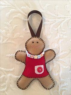 Felt crafts, felt ornament, gingerbread felt,  gingerbread man, gingerbread woman, personalized ornament, made by Janis