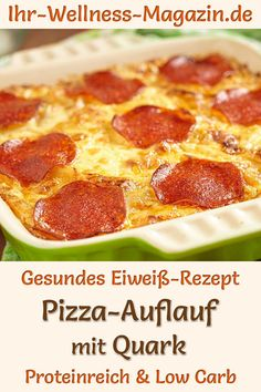 Pizza-Auflauf mit Quark - eiweißreiches Low-Carb-Rezept Pizza bake with curd cheese: Hearty low-carb recipe for a healthy, protein-rich bake with low-fat curd cheese, cauliflower, mozzarella an Low Calorie Recipes, Keto Recipes, Dinner Recipes, Healthy Recipes, Quick Recipes, Zoodle Recipes, Pizza Casserole, Pizza Bake, Pizza Pizza