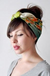 Having a bad hair day? Why not tie a headscarf in your hair to cover it up? Here are 5 examples on how you can switch a bad hair day into a glamorous one. Scarf Hairstyles, Pretty Hairstyles, Spring Hairstyles, Style Hairstyle, Wedding Hairstyle, Easy Hairstyles, Rainy Day Hairstyles, Summer Hairdos, Travel Hairstyles