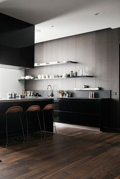 Open shelving finds itself at home in contemporary kitchens. (By Joanna Laajisto)
