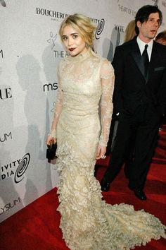Mary-Kate and Ashley Olsen Turn 26 - Mary-Kate and Ashley Olsen Fashion and Style Photos - ELLE