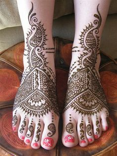 Beautiful Feet Mehndi Designs