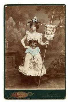 RARE-ADVERTISING-CABINET-CARD-WOMAN-HOLDS-SIGN-PHOTO-ANTIQUE-VICTORIAN-LONDON