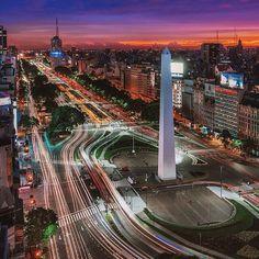 Location: El Obelisco (Corrientes y 9 de Julio) - Buenos Aires, Argentina.  Photo Credit: @imjustjk