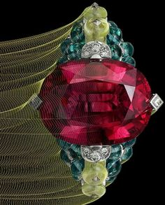 @Cartier delights with their amazingly gorgeous, colourful #coloraturadecartier #HighJewellery collection. Pure sparkly joy!