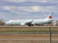 Air Canada plane (YUL airport)