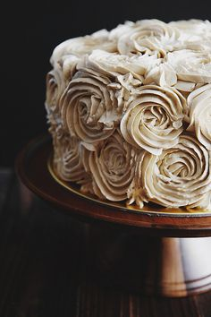 This cake is gorgeous! Pandan Gula Melaka Layer Cake / Pick Yin