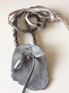 Design Ceramics / Bijoux / Jewelry / Necklace / beige and light gray / by Ice Grey (Tokyo)