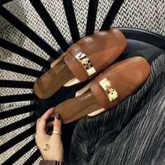 Shop the latest clogs-mules shoes collection at Chiko Shoes. Clog-mules shoes are easy to wear and available in many varieties from loafers to sneakers.