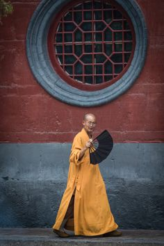 Monk at the White Horse temple by Marios Forsos on 500px | Luoyang, China