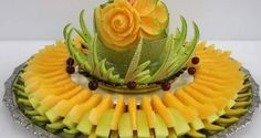 Best fruit salad for party food art palm trees 40 ideas Best Fruit Salad, Dressing For Fruit Salad, Fruit Tables, Bachelorette Party Food, Fruits Decoration, Fruit Juice Recipes, Fruit And Vegetable Carving, Food Carving, Cold Appetizers