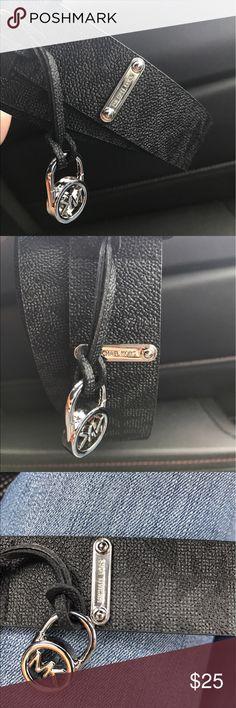 Michael Kors belt s Black Michael Kors belt new.     Firm but I offer bundle discount Michael Kors Accessories Belts