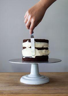 How To Ice Cake
