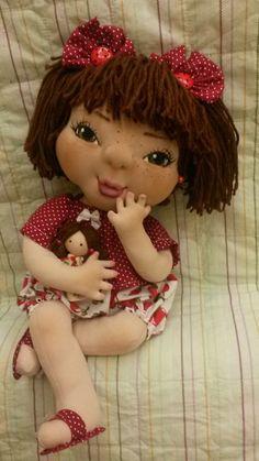 Olá artesãs, Com a permissão de Deus, essa é a primeira boneca modelada de muitas que irei fazer. Vou indicar para vocês no final desta página um dos vídeo
