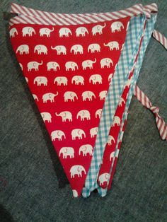 elephant bunting Buntings, Party Planning, Pot Holders, Elephant, Diy Crafts, Decorations, My Love, Fabric, My Boo