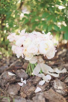 blush wedding bouquet #weddingbouquet @weddingchicks