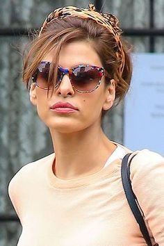 love the sunglasses & the turban Pippa Middleton, Aria Montgomery, Kate Hudson, Vanessa Hudgens, Eva Mendes Movies, Kourtney Kardashian, Eve Mendes, Eva Mendes And Ryan, Eva Mendes Collection