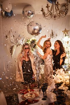Cute Birthday Pictures, Birthday Photos, Party Pictures, Glitter Party, New Year Photoshoot, Silvester Party, Disco Party, Happy B Day, New Years Eve Party