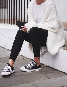 casual outfits with converse , Fall Outfits Outfits Leggins, Outfits With Converse, Sweater Outfits, Womens Converse Outfit, Converse Fashion, Black Converse, Simple Outfits, Outfits For Teens, Fashion Models