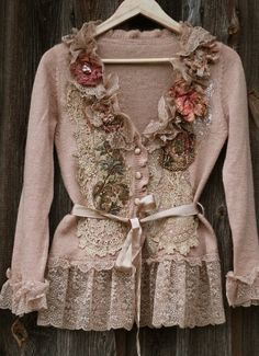Artisan extravagant reworked cardi wearable art by FleursBoheme Altered Couture, Boho Outfits, Vintage Outfits, Fashion Outfits, Antique Lace, Vintage Lace, Ropa Shabby Chic, Mode Boho, Moda Vintage