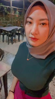 Beautiful Hijab, Beautiful Women, Girl Hijab, Niqab, My Name Is, Hijab Fashion, Hot Girls, Booty, Sexy