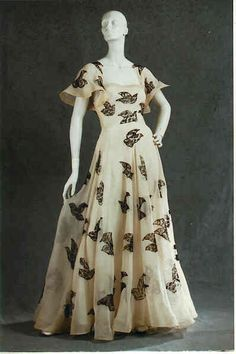 Couturier Vionnet, Madeleine  Type Even. dress/ball gown/ensemble  Country France  Date 1937 April