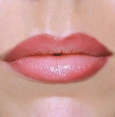 Pink Papaya Makeup Tip! - Applying lipliner is not only a great way to define & accentuate the shape of your lips, but also to keep your lipstick from feathering. Choose a lipliner that matches your lipstick or a flesh tone shade for a soft, natural look. To get plumper, pinker looking lips do not touch up by drawing a hard lip line; smudge it so lips look fuller. For more drama, choose a lipstick with a frosted or shimmery tone. www.pinkpapayaparties.com
