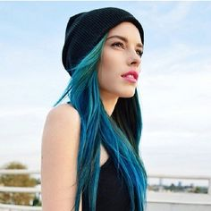 Mixing Manic Panic Blues is a great way to add dimension to your color. Lauren Calaway uses Rockabilly Blue and Atomic Turquoise for her wonderful locks.
