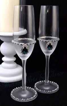 Wedding Arts by Glance Bride And Groom Glasses, Wedding Wine Glasses, Diy Wine Glasses, Glitter Glasses, Decorated Wine Glasses, Wedding Champagne Flutes, Painted Wine Glasses, Wine Glass Crafts, Wine Bottle Crafts