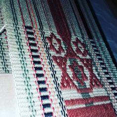 Retomando Aborigen !!! Tejido Aymara en hilo . #tierramadretejidosentelar #telaraborigen #weaving #loomweaving #loom #campestre #campo… Blanket, Instagram, Crochet, Mother Earth, Country, Fabrics, Chrochet, Blankets, Crocheting
